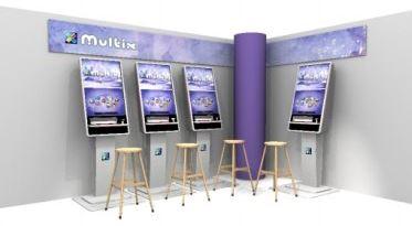 multix spilleautomater i lilla med tilhørende krakker