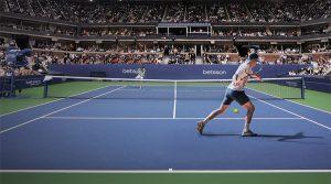 tennisspiller på banen
