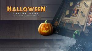 gresskar foran et hus, halloween slot bak