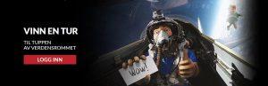 mann i romskip over jorden
